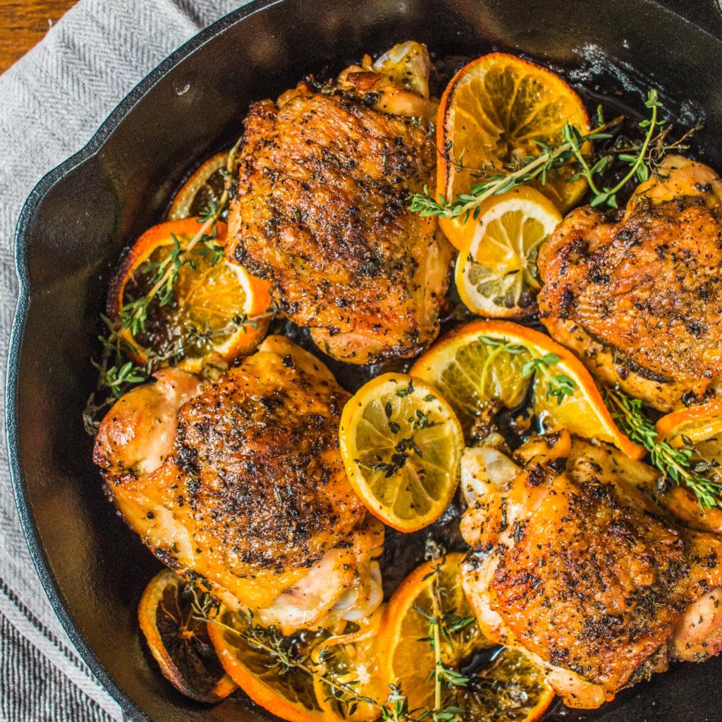 Velikonoční kuře na citronu pečené v troubě.