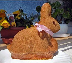 Lahodný šlehačkový velikonoční zajíček.