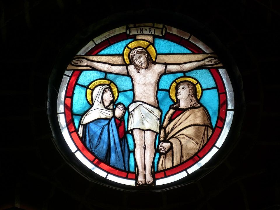 Vytráž s Ježíšem na kříži - symbol Velikonoc
