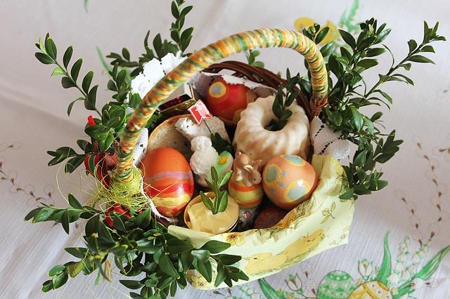 Tradiční velikonoční košík na boží hod.