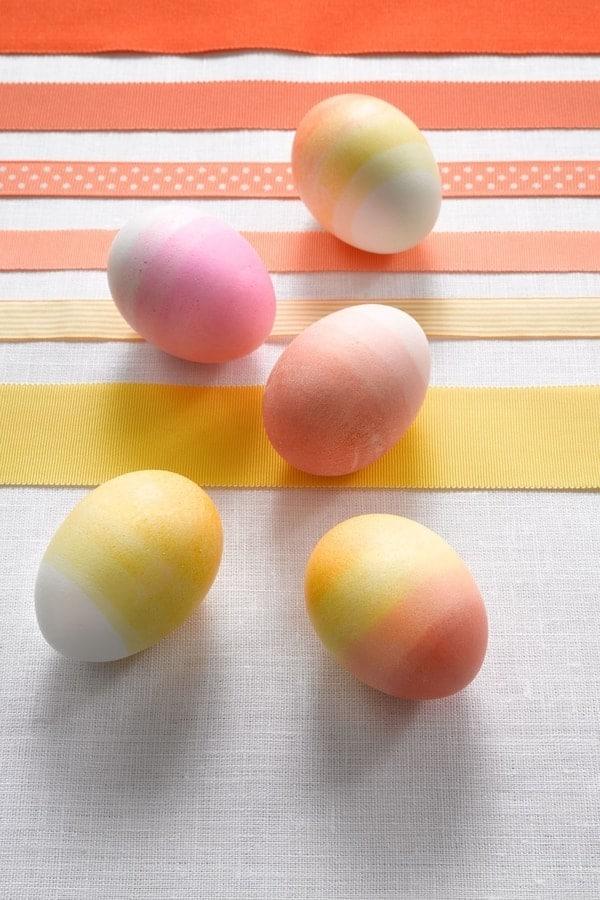 Barvení vajíček potravinovým barvivem
