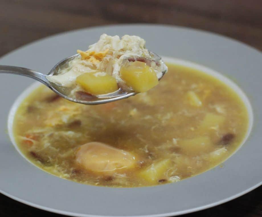 Polévka s uzeným masem na Velikonoční pondělí.